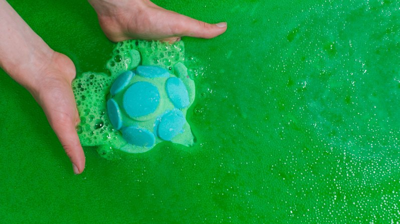 Turtle_imersion_jelly_bath_bomb-1