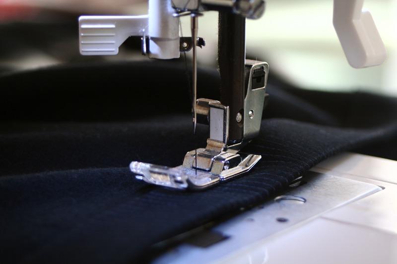 needle-wheel-singer-fabric-sewing-sewing-machine-990595-pxhere.com (1).jpg